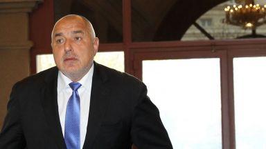 Борисов: Очаквам оставки и от другите, а не да ни гледат сеира