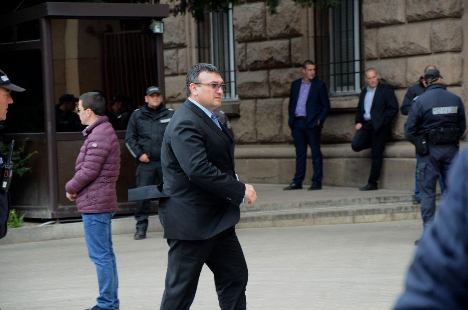 Министър Младен Маринов