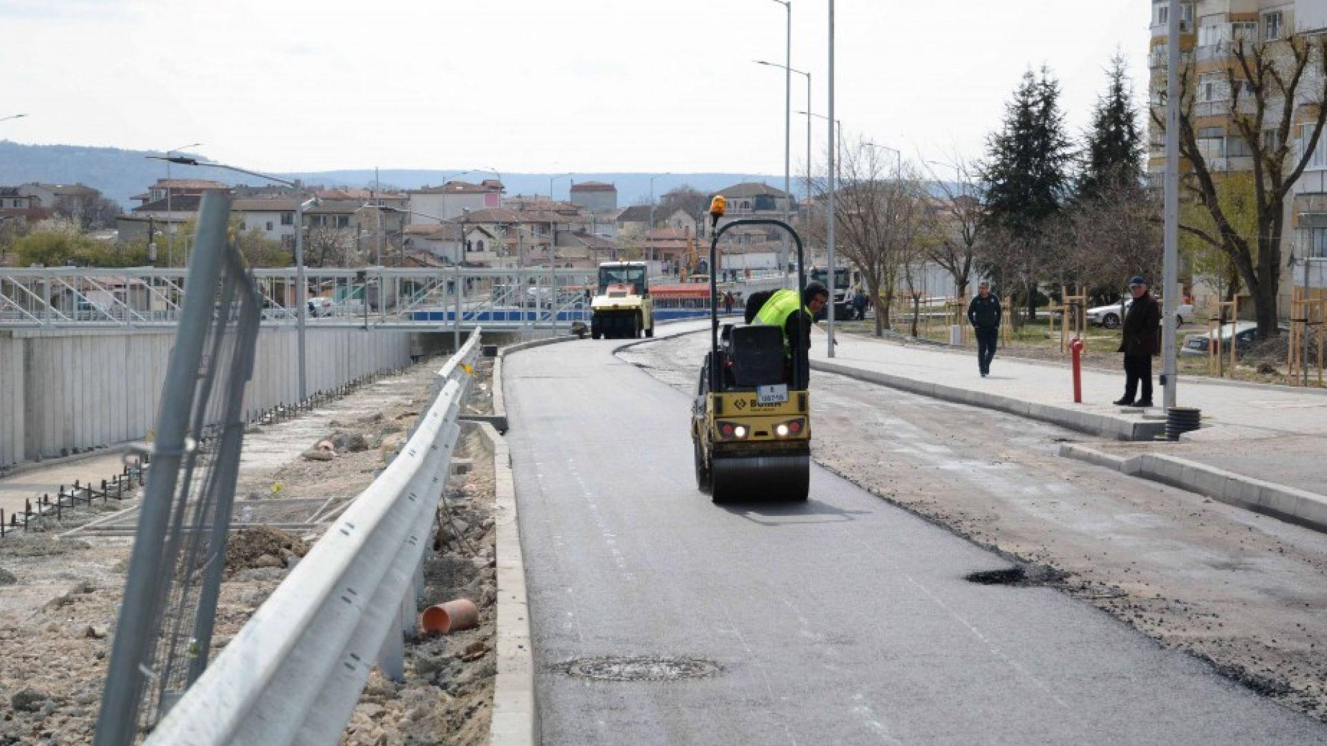 Снимка: Изграждат пешеходни пасарелки по новия бул. Васил Левски