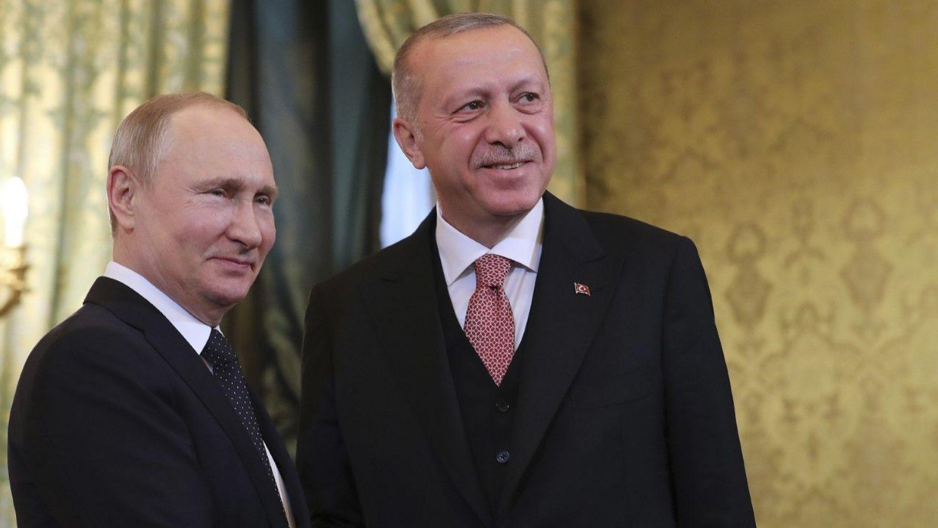 """Ердоган похвали Путин за """"контактите на такова високо ниво"""""""