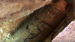 Изненада в тв ефира - археолози откриха в саркофаг  2500-годишна мумия на жрец
