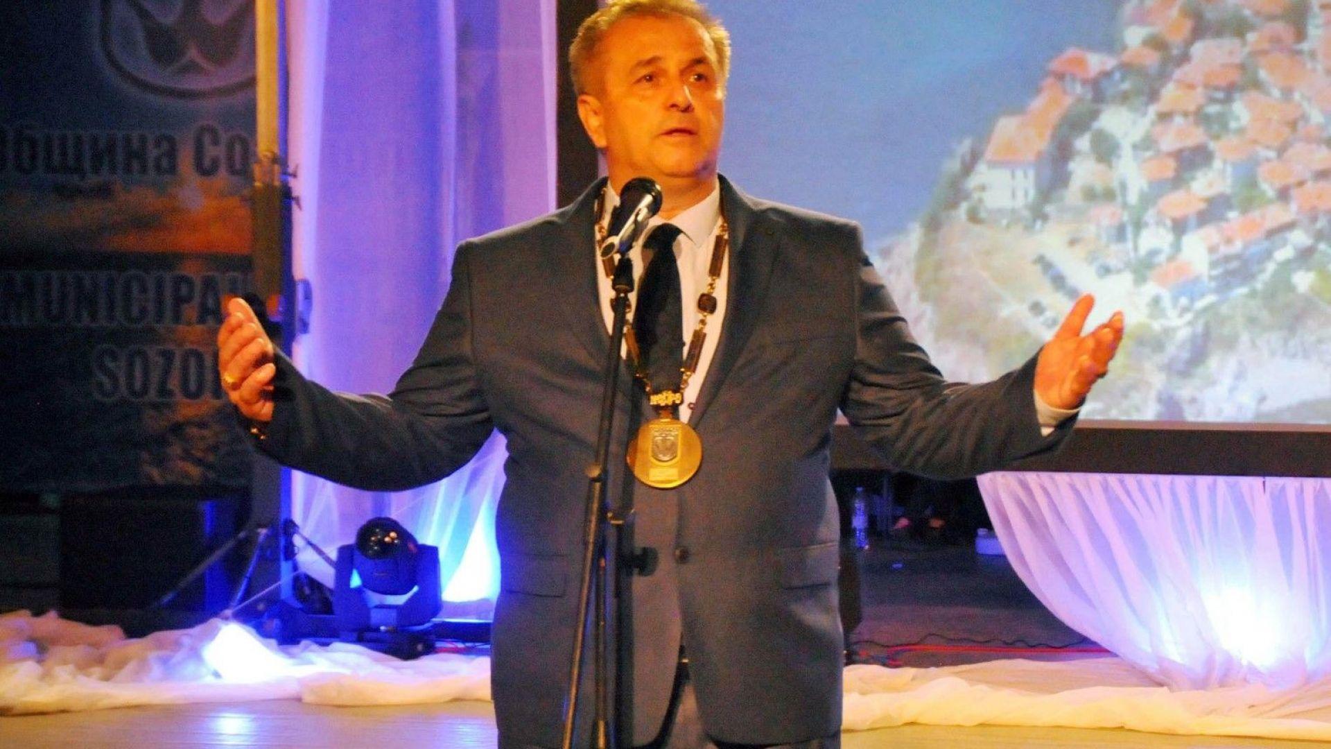 Как работи Община Созопол след временното отстраняване на кмета Рейзи