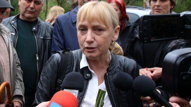 Елена Йончева за обвиненията, че има къщи за гости: Това е абсурд!