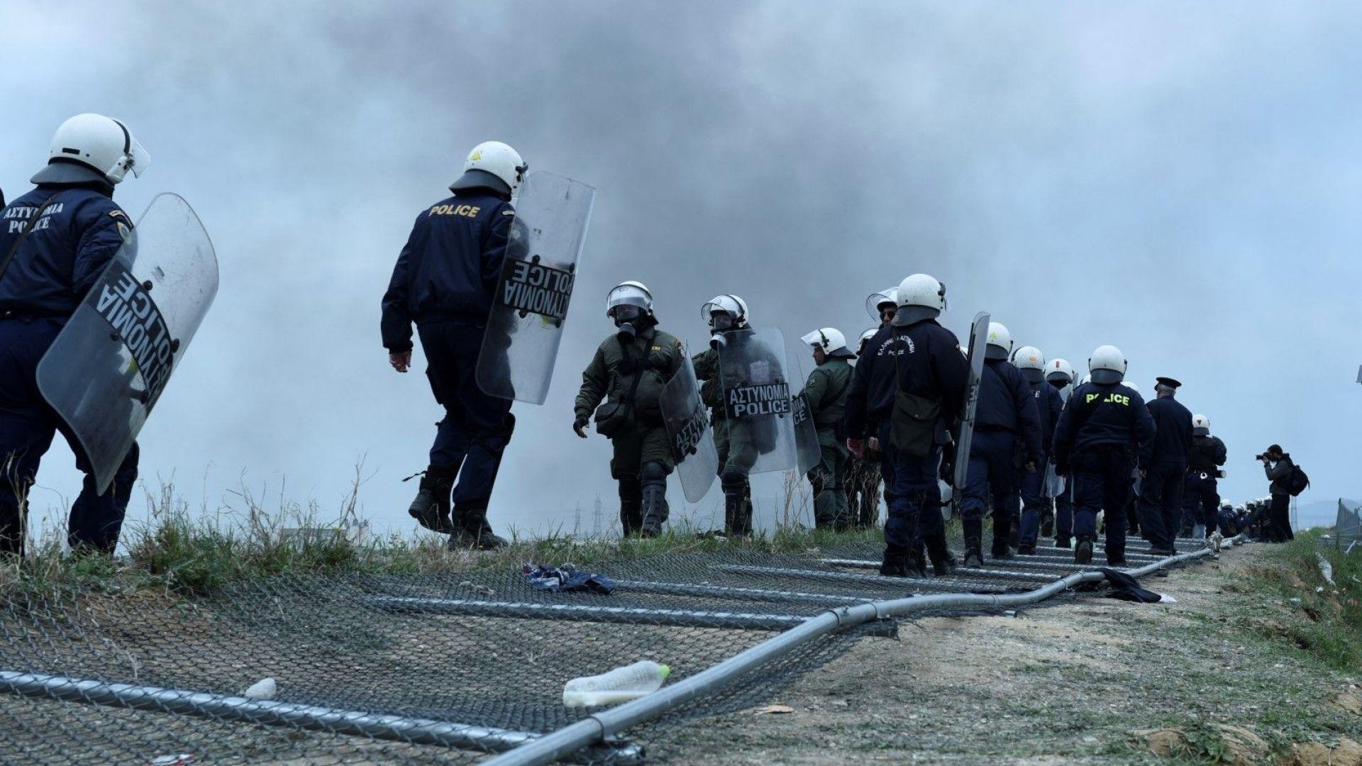 Турция обеща да не пропусне напиращия поток от мигранти