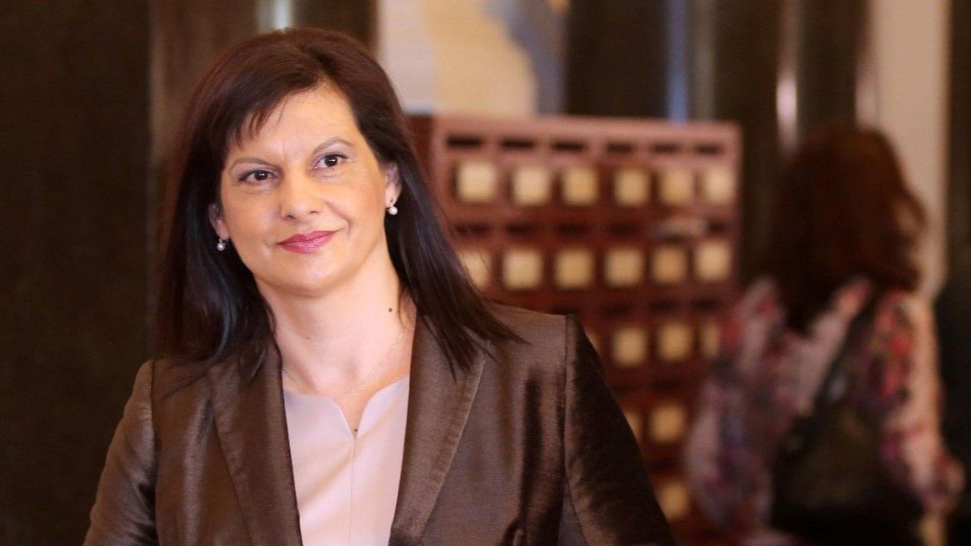 Дариткова: Нормално е Цветанов да идва в парламента