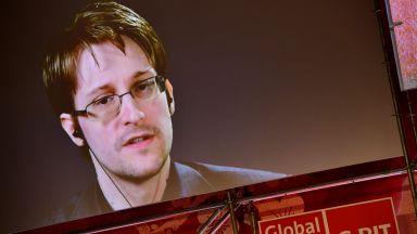 Едуард Сноудън получи разрешение за безсрочно пребиваване в Русия