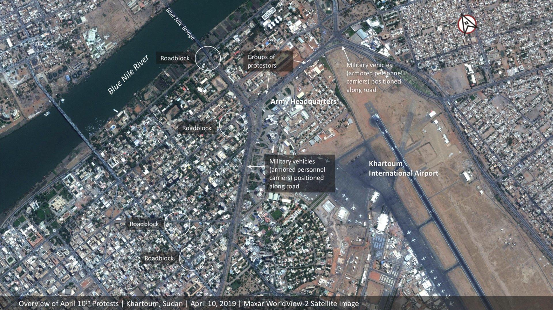 Изглед от въздуха на масовия протест в столицата на Судан - Хартум, 10 април