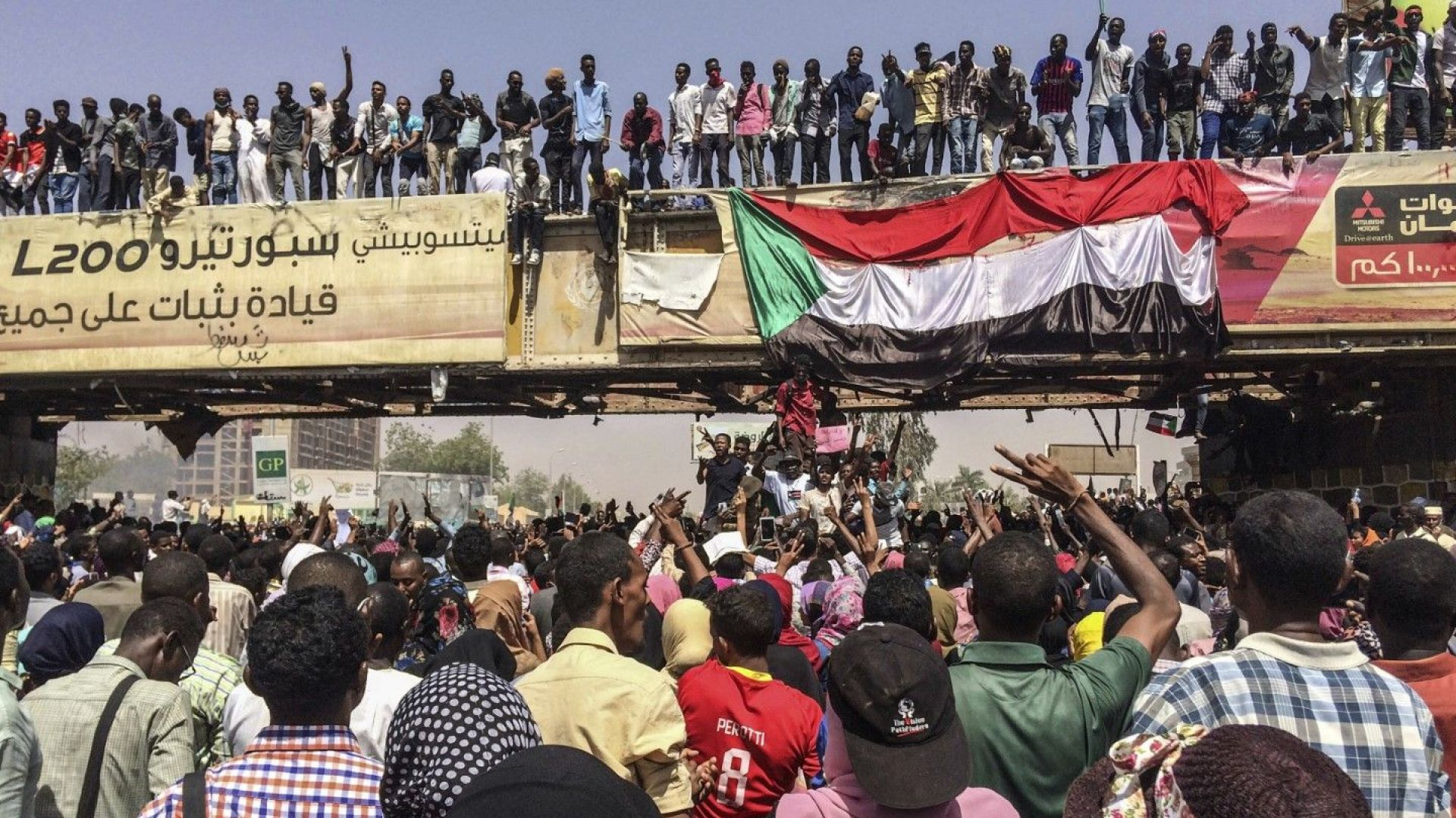 Народът на Судан се надигна против генералите превратаджии