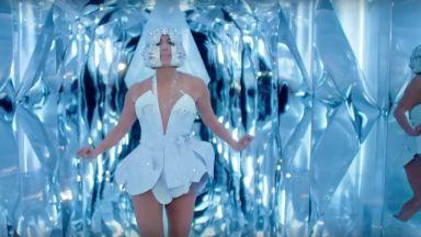 Джей Ло с рокля на български дизайнер в новия си клип