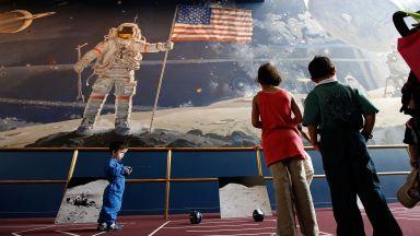 Американските космически кораби политат догодина
