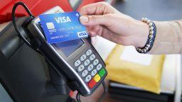 Покупки с безконтактни карти Visa до 50 лв. без ПИН код