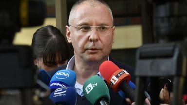 Сергей Станишев: Очаквам театралността с оставката на Корнелия Нинова да продължи