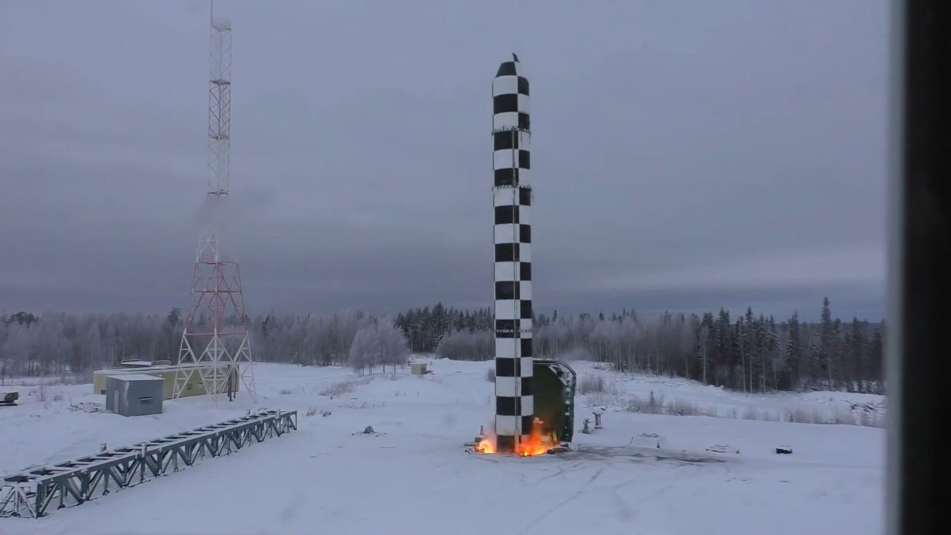 Путин се похвали с успешни тестове на новата руска балистична ракета