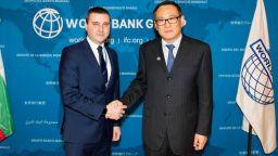 Владислав Горанов подписа със Световната банка за офис в София