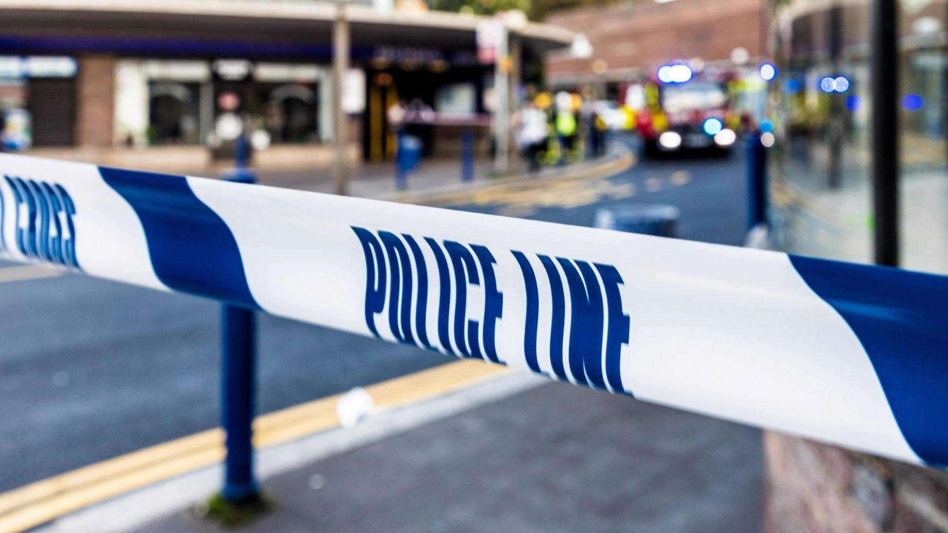 Полиция стреля по нападател, блъснал два пъти колата на украинския посланик в Лондон