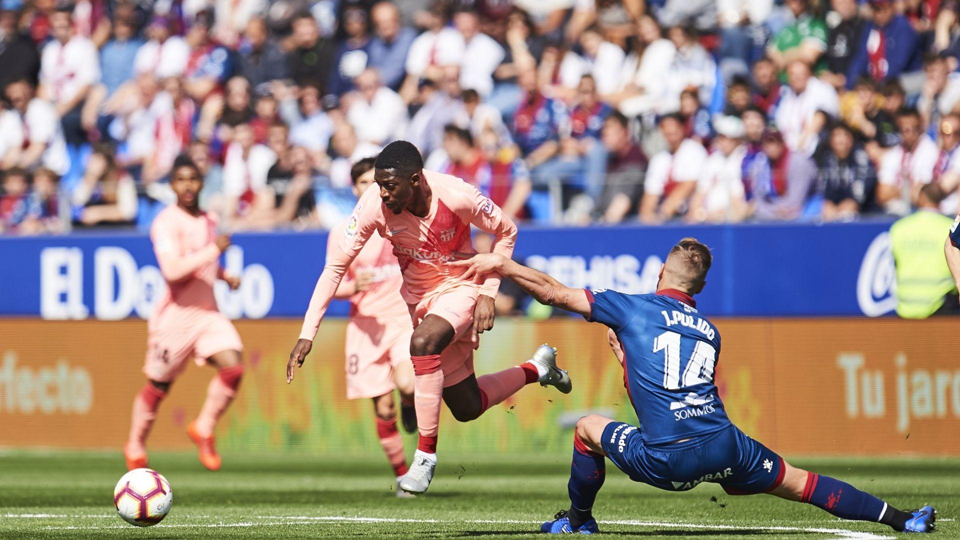 Без звездите си, Барселона се препъна срещу последния