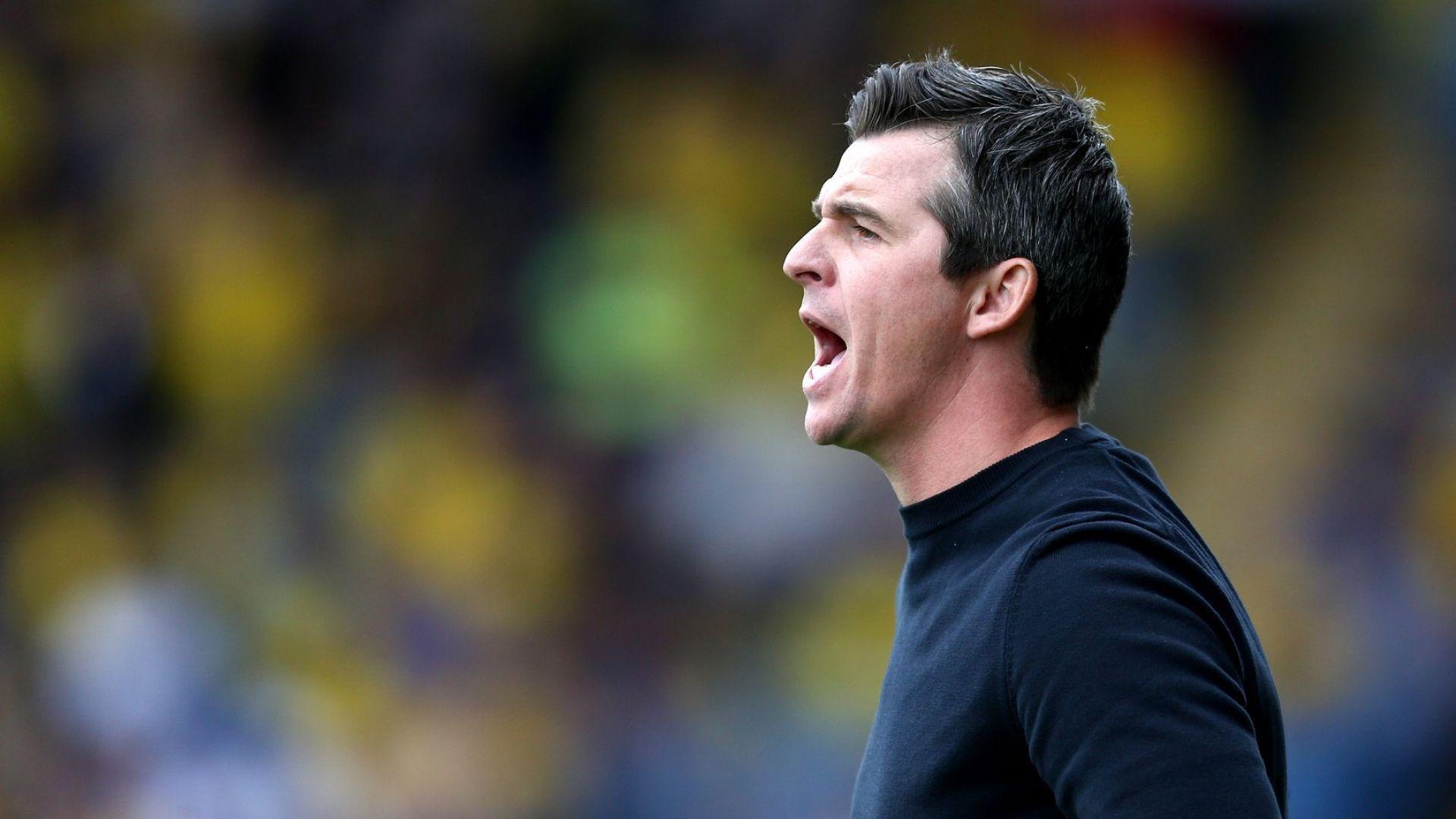 Скандал в Англия - треньор нападна и окървави колега