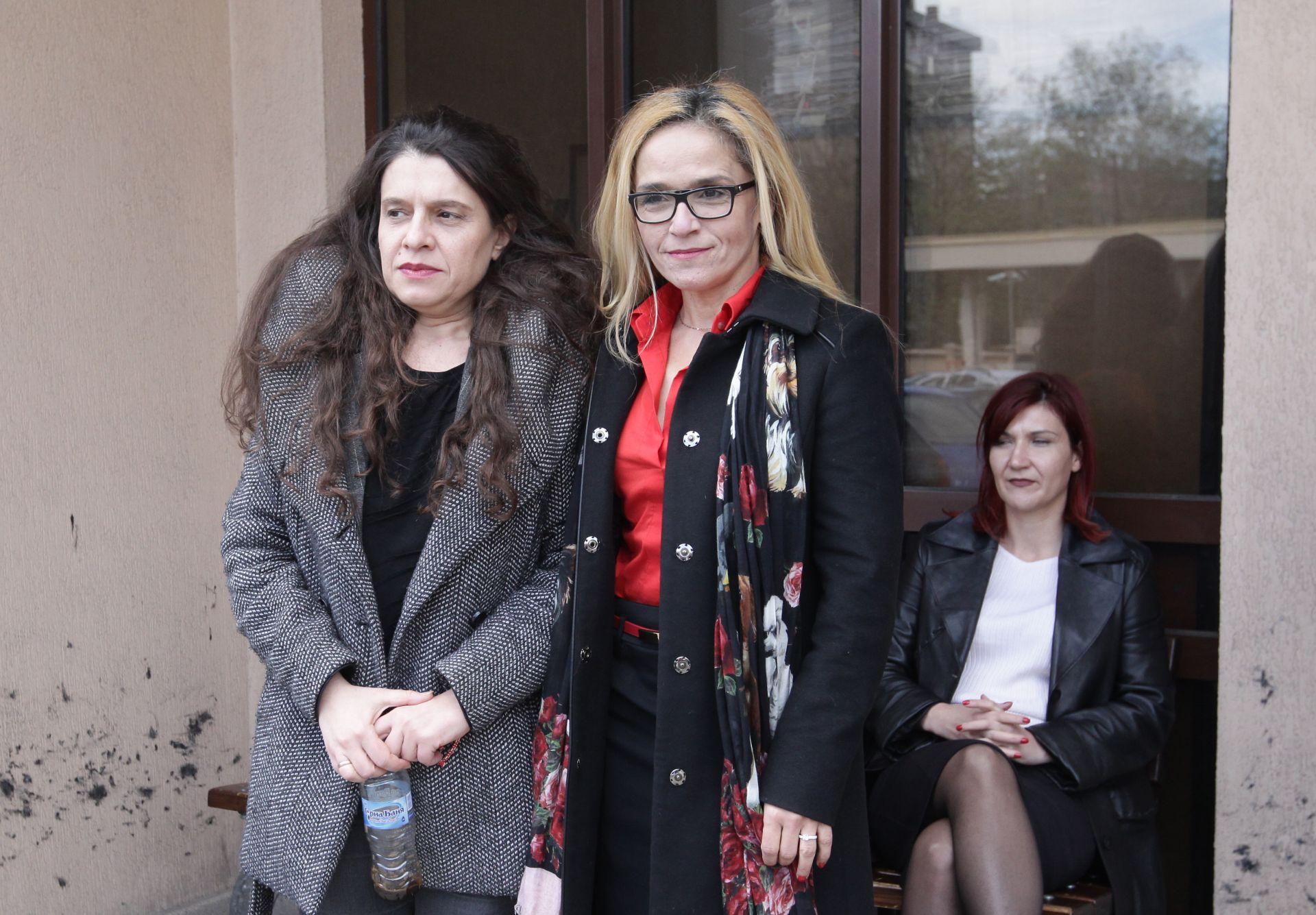 Двете подсъдими категорично отричат вината си и твърдят, че са натопени