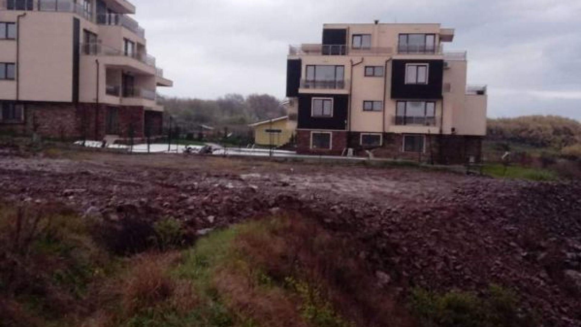 Екоинспектори установиха нарушение при насипване на земни маси в Черноморец