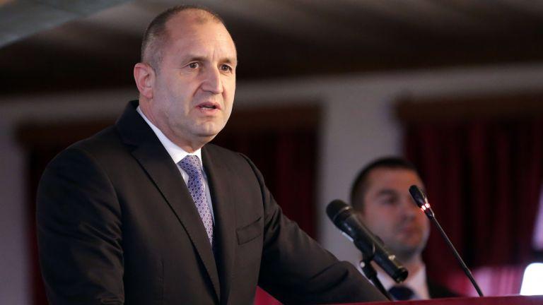 Румен Радев: Заплахата за демокрацията не идва от армията, а от някои политици