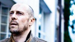 1 г. затвор за френски есеист отрекъл Холокоста