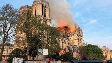 """Папата ще посети Франция заради """"Нотр Дам"""""""