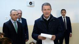 Турският министър на отбраната оспори обхвата на гръцкото въздушно  пространство