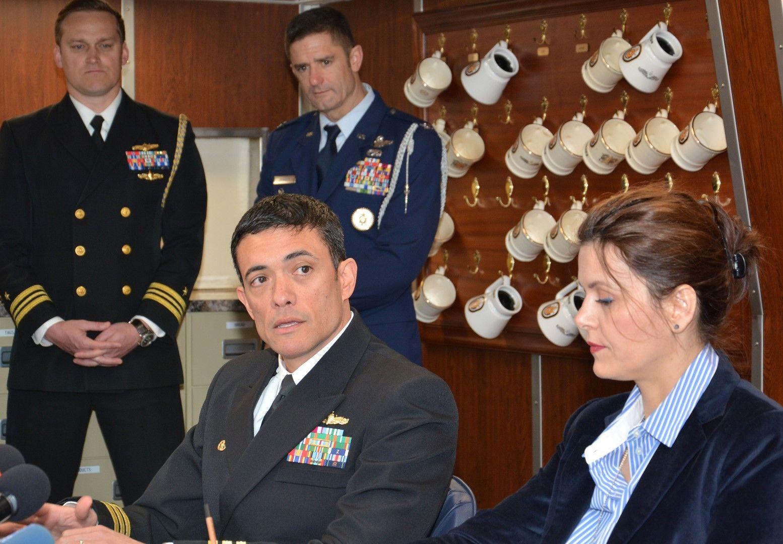 На специална пресконференция на борда на кораба командирът му капитан II ранг Дейвид Коулс (CDR David Coles) представи пред медиите целта на посещението