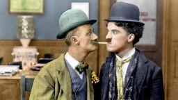 Вижте 14 редки снимки на Чарли Чаплин в цвят, направени през 1910-1930 г.