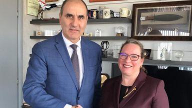 Цветанов се срещна с посланичката на Израел в България