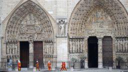 Френската гражданска защита: Катедралата щеше да рухне, ако бяхме послушали Тръмп