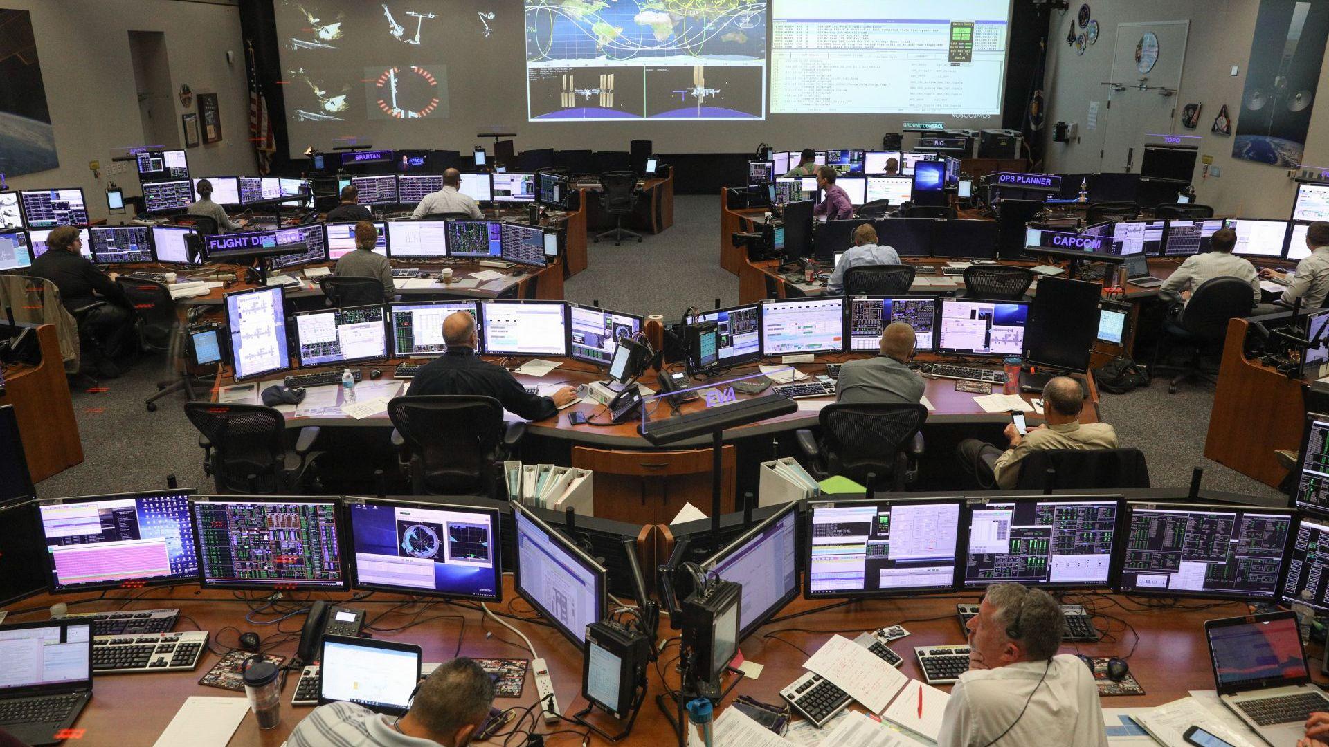НАСА обстрелва астероид с 500-килограмова сонда, за да промени траекторията му