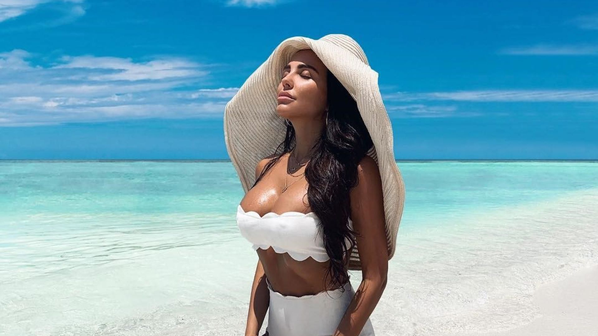 Николета замина на Малдивите с Никол