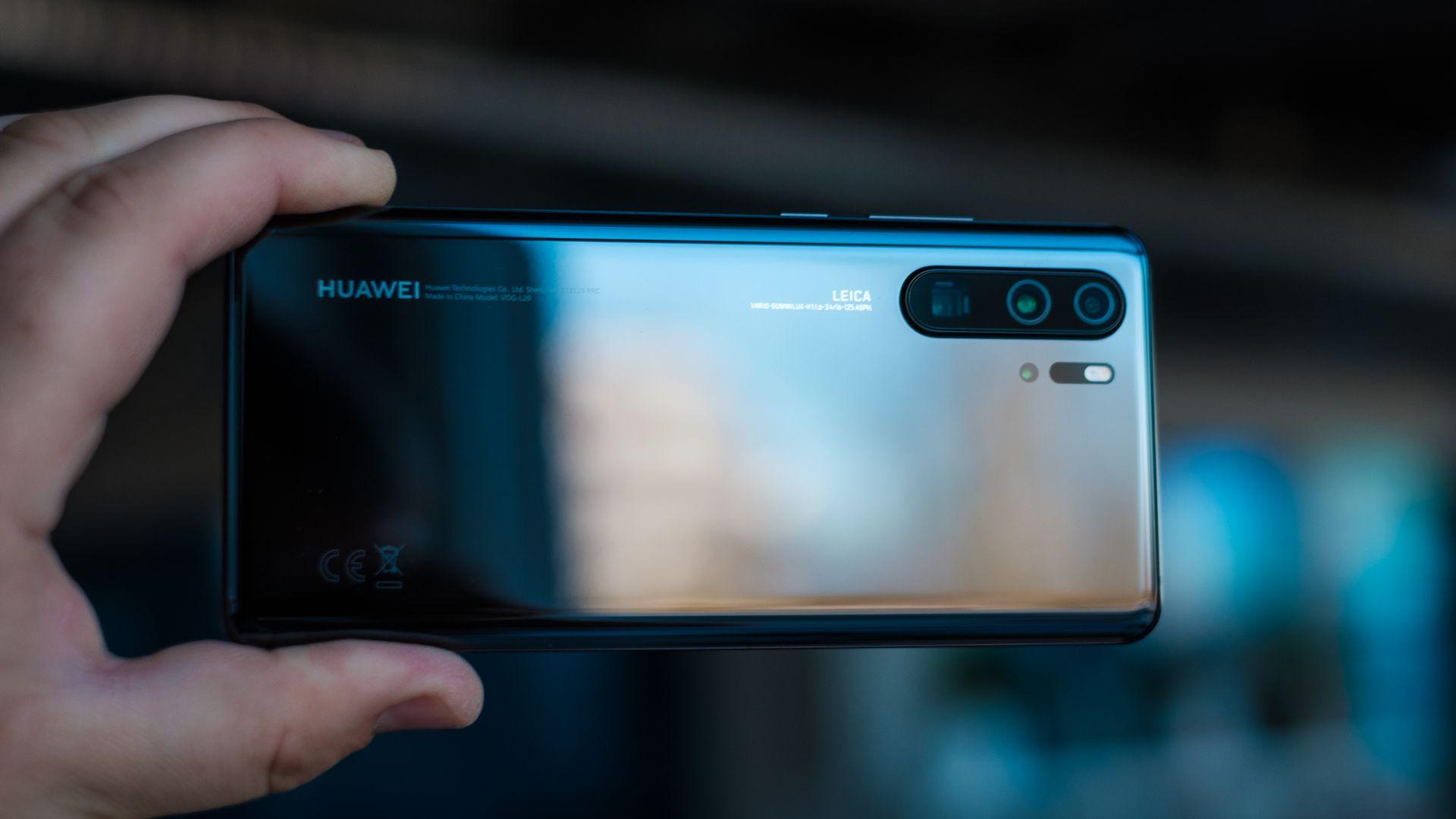 Надпревара за мегапиксели при смартфоните