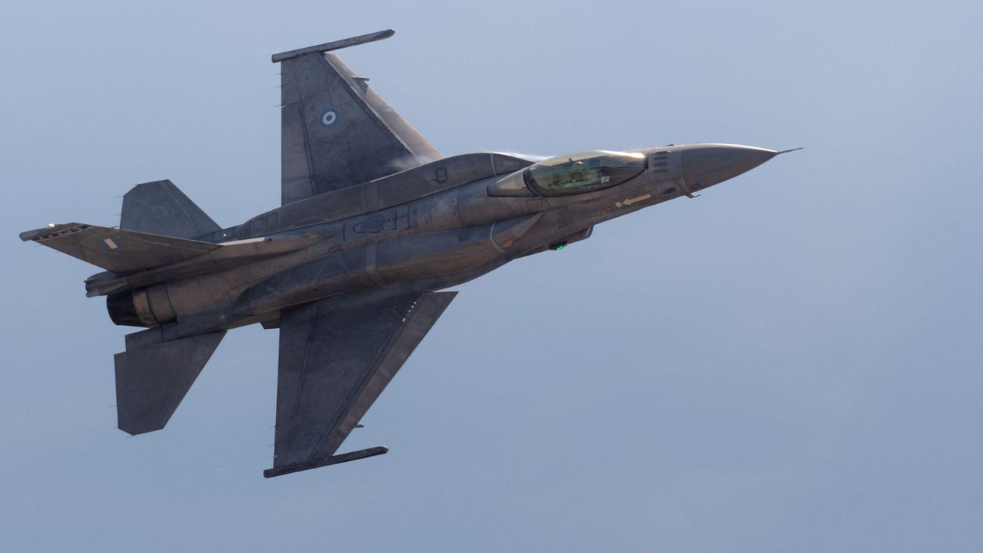 Снимка: Турски и гръцки изтребители участваха във въздушна схватка
