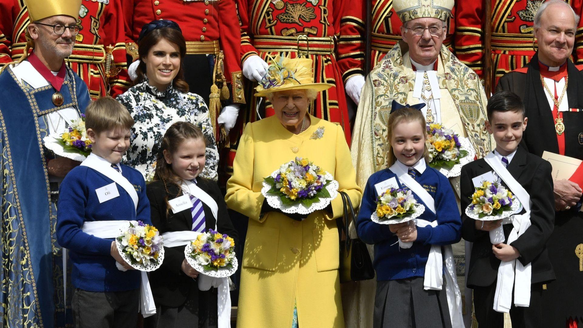 Елизабет II присъства на служба за Велики четвъртък с принцеса Юджини