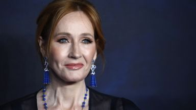 Джоан Роулинг дари £15,3 млн. за откриване на лек за множествена склероза