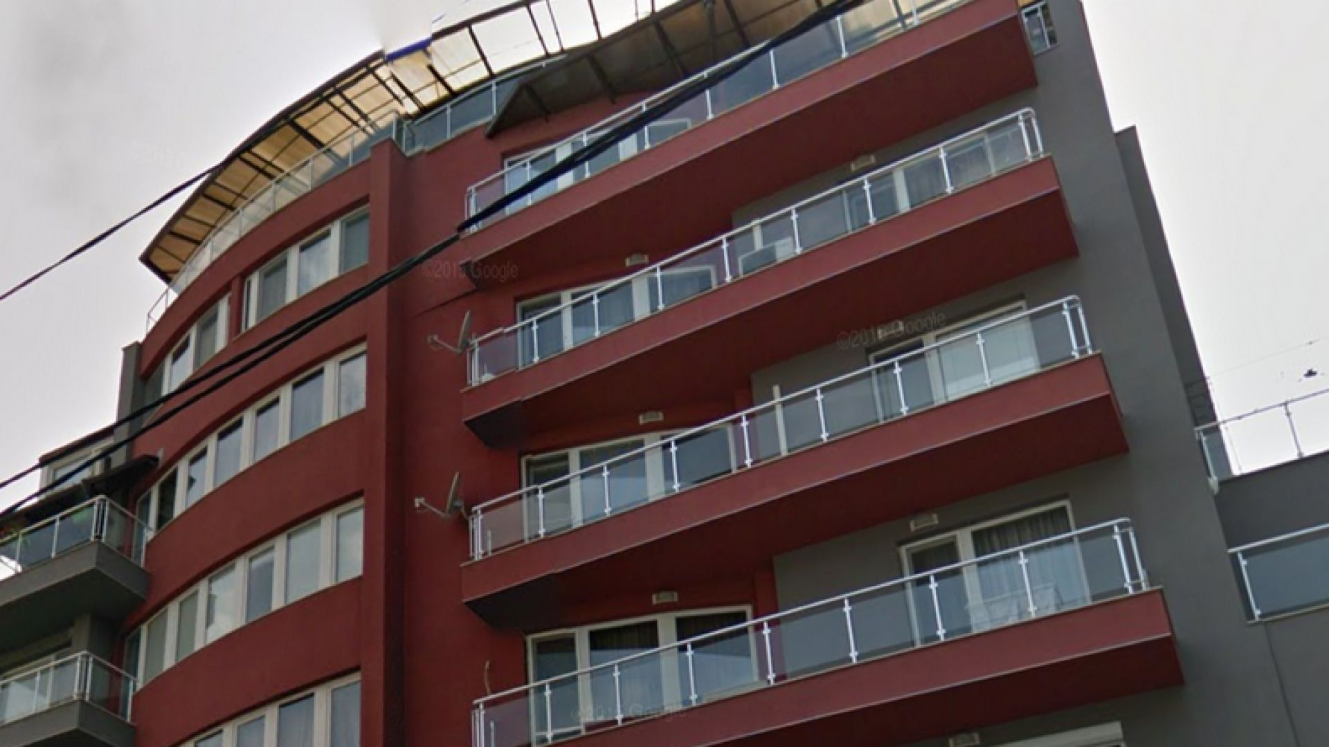 """Апартаментгейт"": И Каракачанов с евтин мезонет и недекларирана тераса"