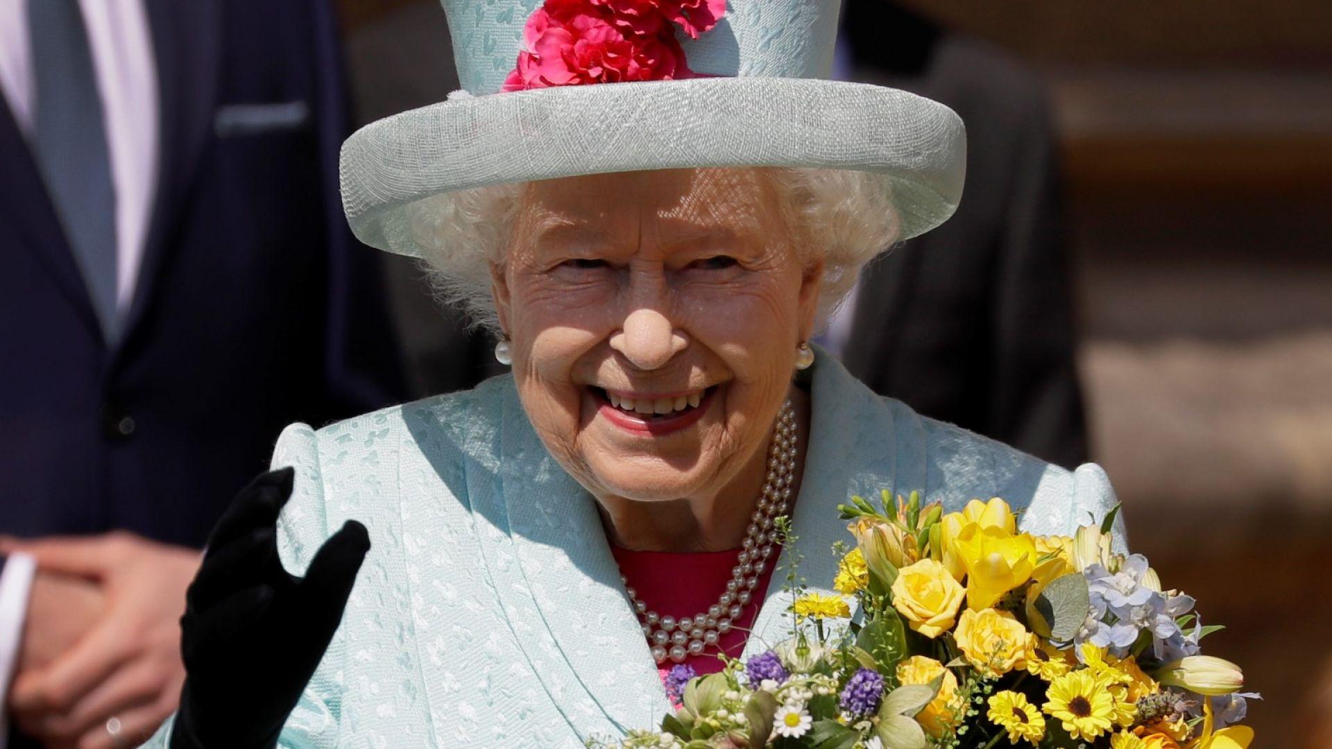 Кралицата отбеляза рождения си ден на Великденската служба
