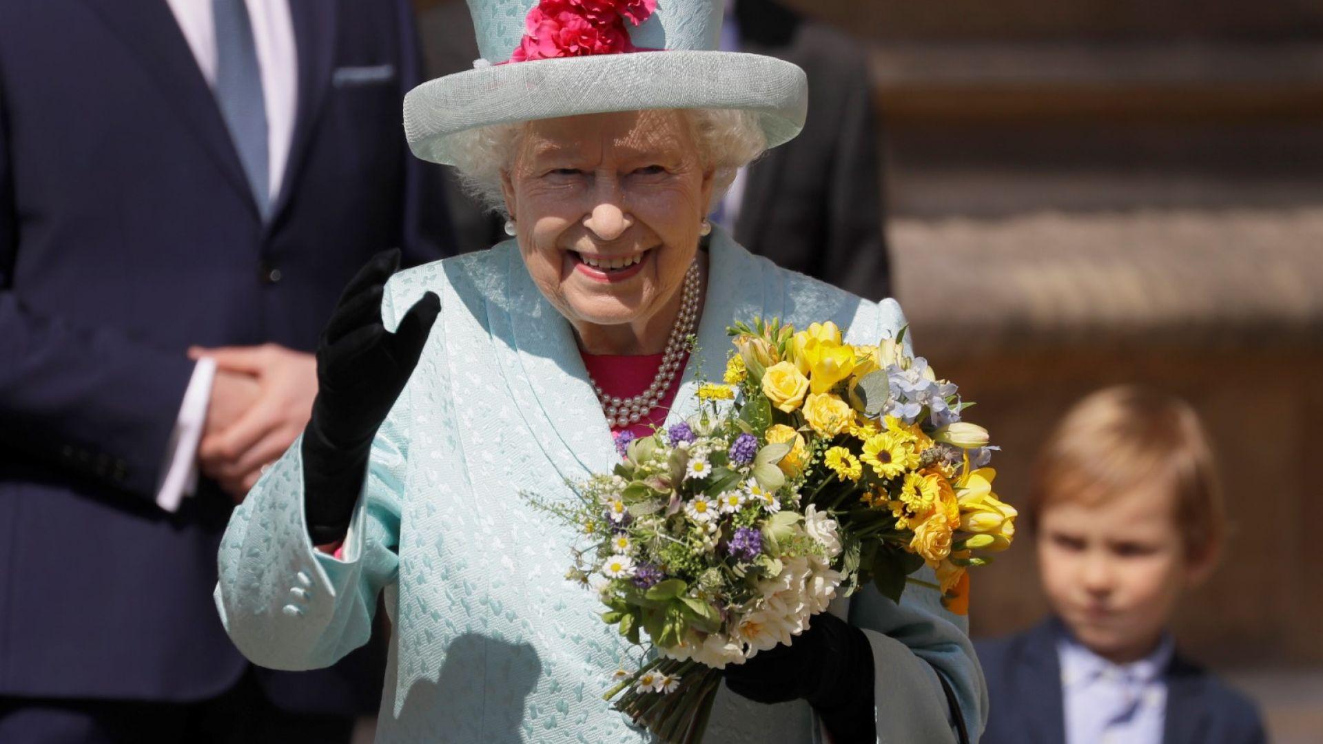 Елизабет II ще посети новородения си правнук