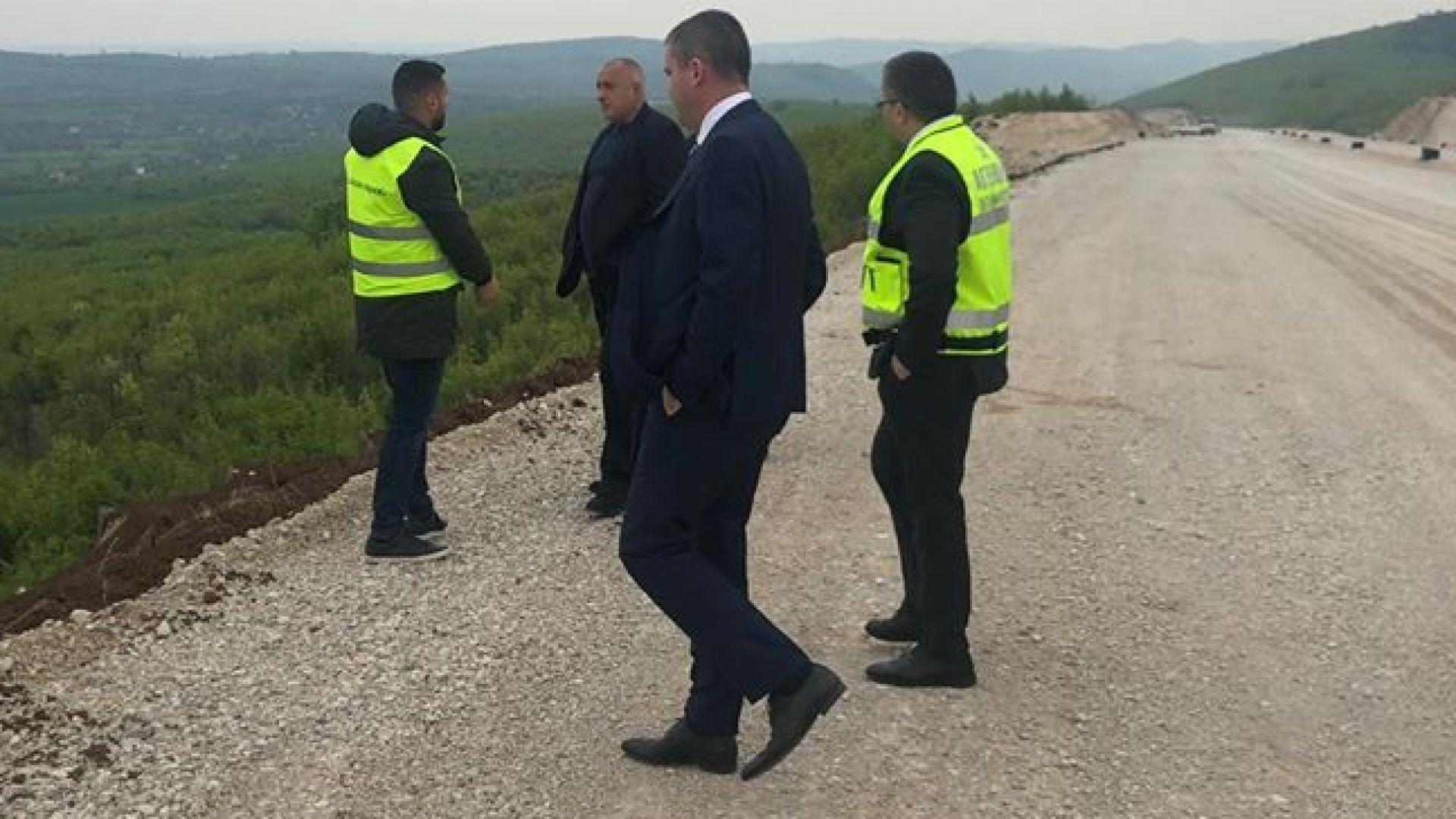 Премиерът и финансовият министър Владислав Горанов огледаха участъка