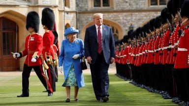 Кралица Елизабет Втора посреща Доналд Тръмп в началото на юни
