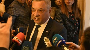 Симеонов съди наред за имотните обвинения срещу него - от подателя на сигнала до bTV