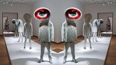 Художникът Ник Кейв създава звукови костюми, за да промени света