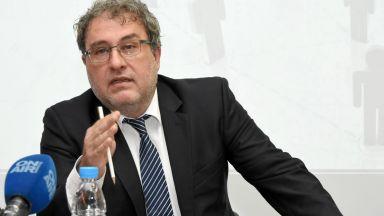 БСП отново поиска оставката на министър Боил Банов заради Ларгото
