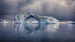 Рекордно количество мълнии до северния полюс, пожари и в Гренландия