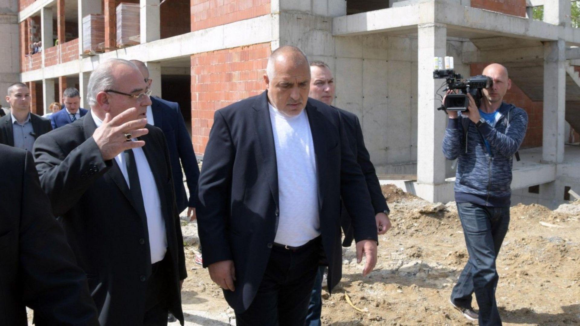 След спешна инспекция на Борисов кабинетът спасява УНСС със 7.5 млн. лева