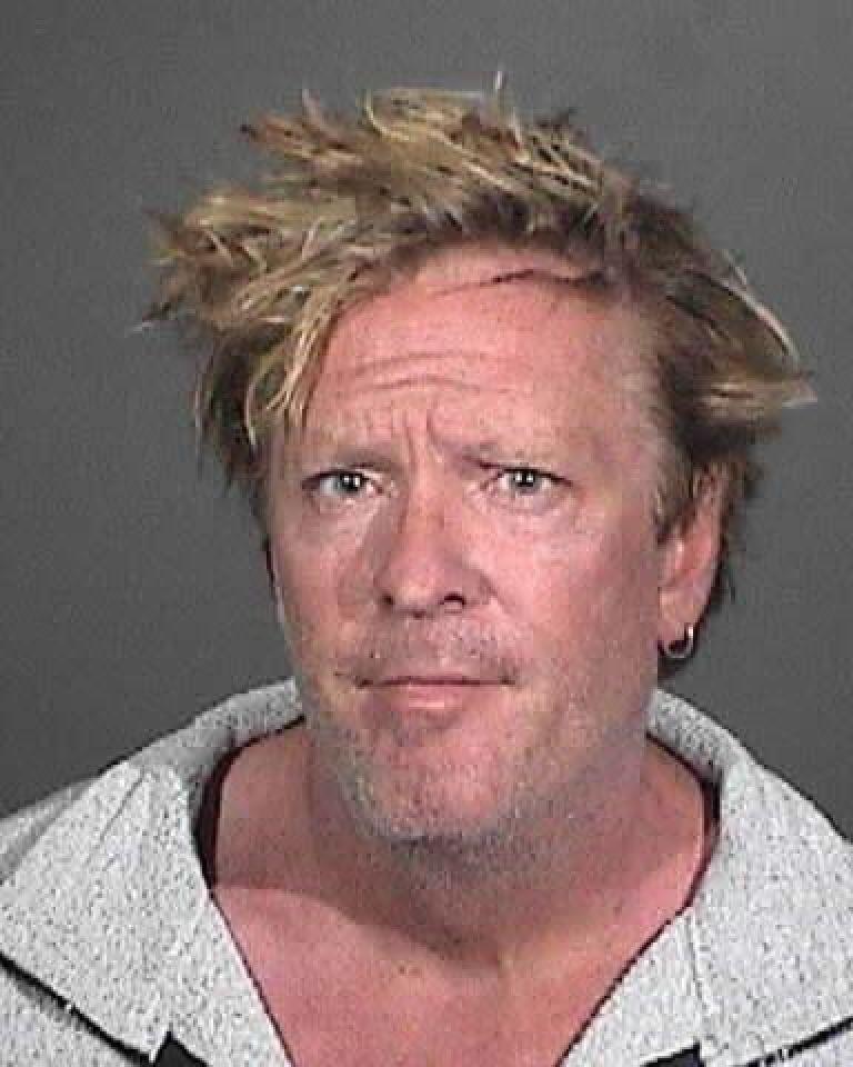 Снимката е направена в шерифството на Малибу през 2012 г., когато Медсън беше задържан заради домашно насилие над сина си