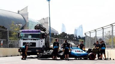 Сблъсък с шахта прекрати тренировката във Формула 1