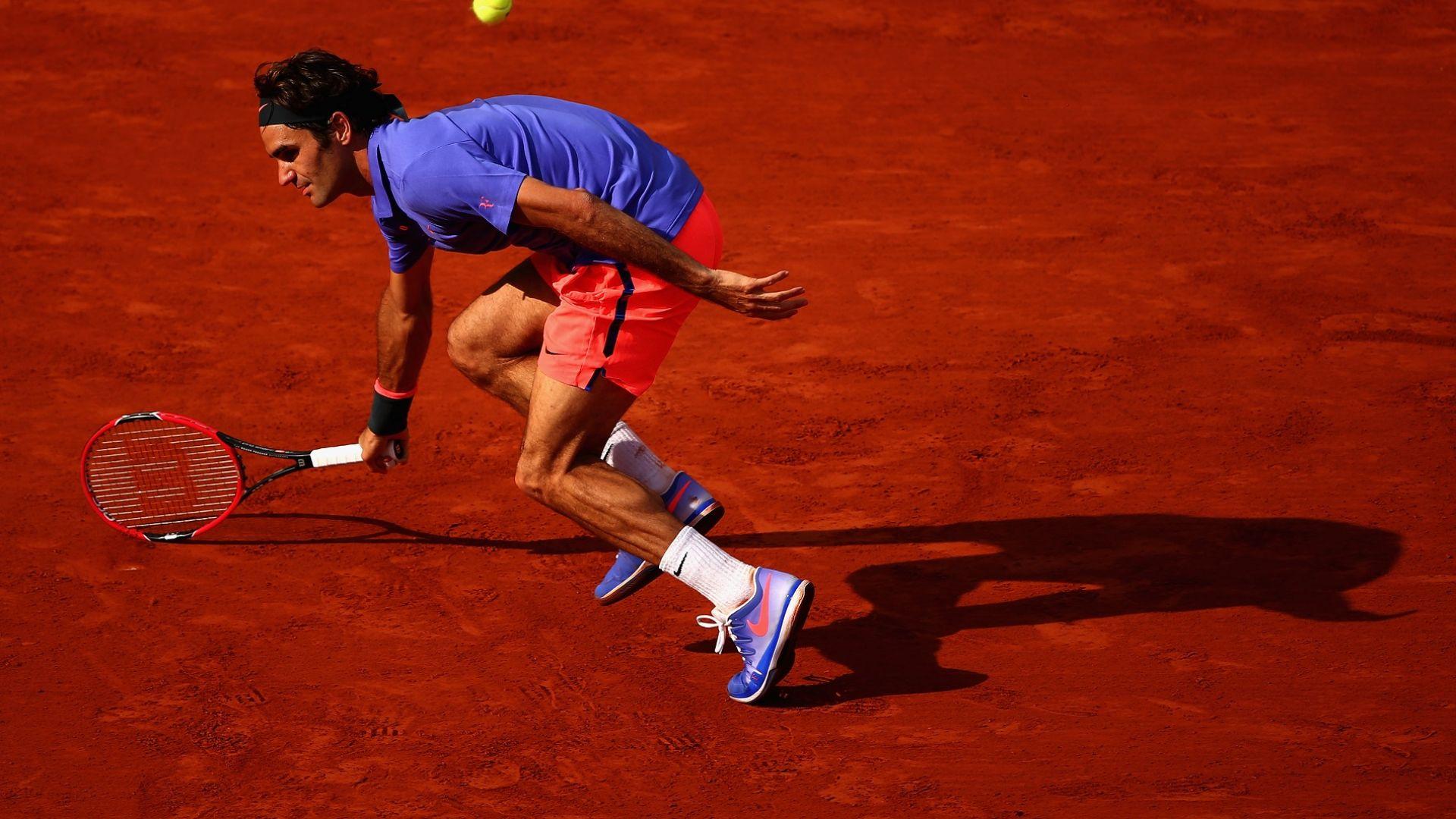 Федерер се подготвя с британец за завръщането на клей
